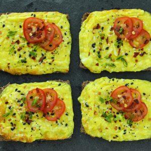 cheesy-egg-ggs-gg crackers